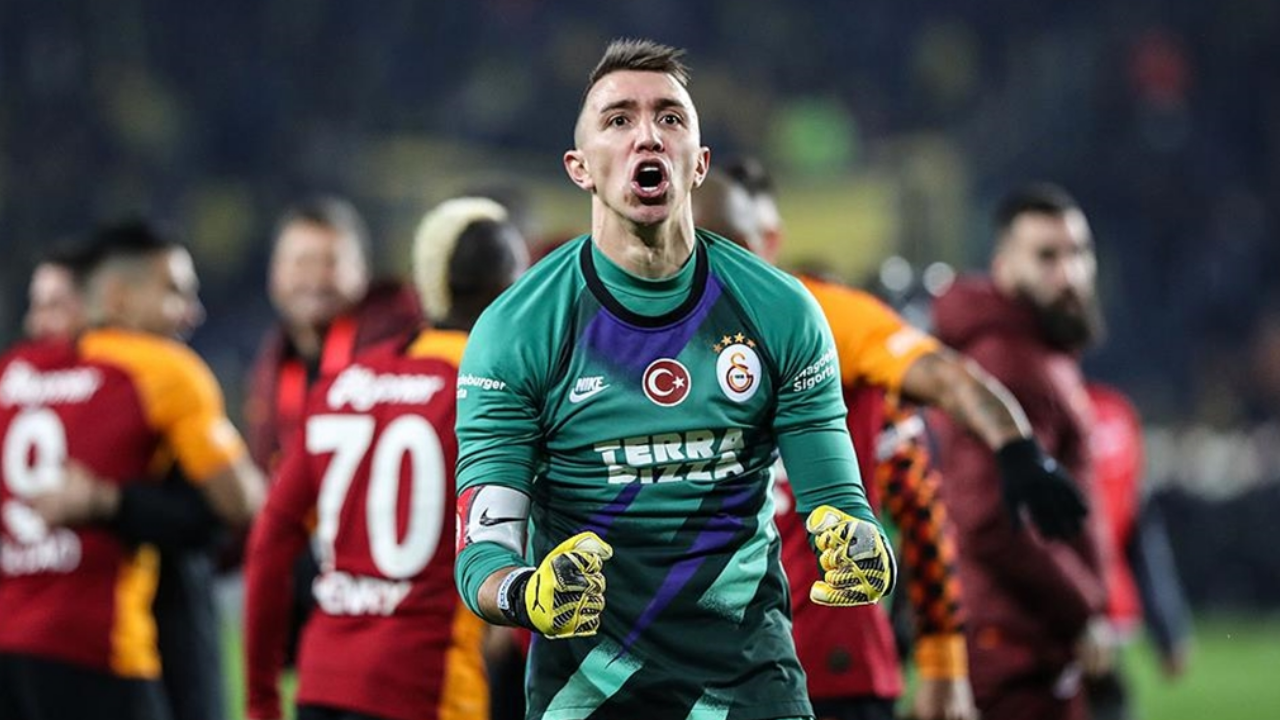 GK Analysis: Muslera save shows how important a one-man wall can be.